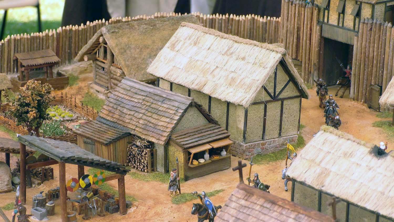 Exposition de maquettes médiévales au 1/72 par le club ART6 aux médiévales de Bayeux des 5 au 8 juillet 2018.