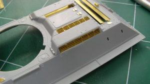 Grilles de ventilations Voyager Model sur caisse de T34/85 Dragon.