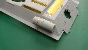 Insertion du réservoir du T34-85 dans les fixations Voyager Model.